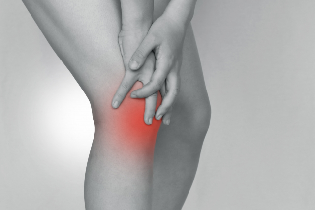 女性に多い変形性膝関節症について
